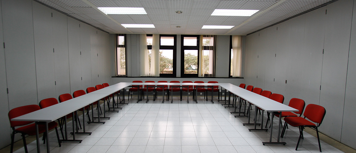 Syndicate Room B